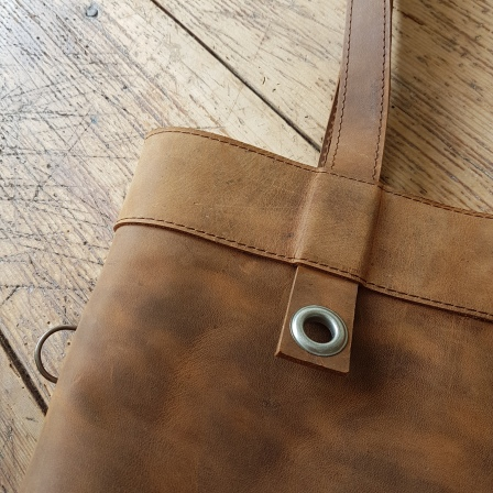 brown-leather-shoulder-bag-1