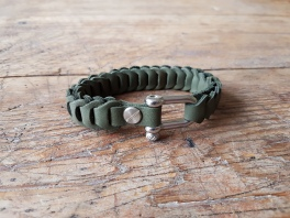 leather-bracelet-green-1d