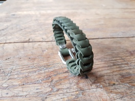 leather-bracelet-green-2d