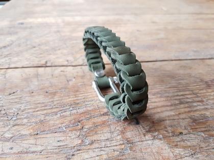 leather-bracelet-green-2d