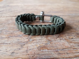leather-bracelet-green-3d