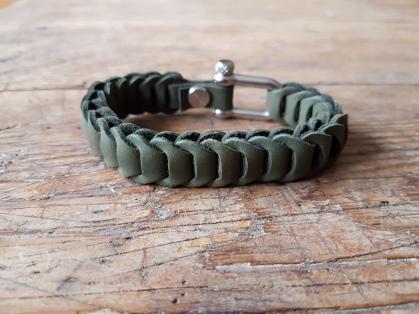 leather-bracelet-green-3d