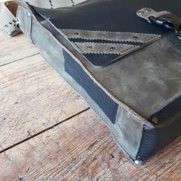 leather-shoulder-bag-black-and-petrol-2