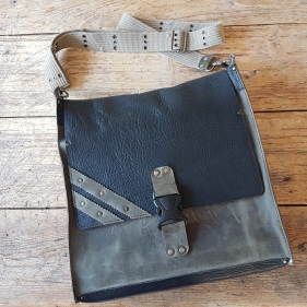 leather-shoulder-bag-black-and-petrol