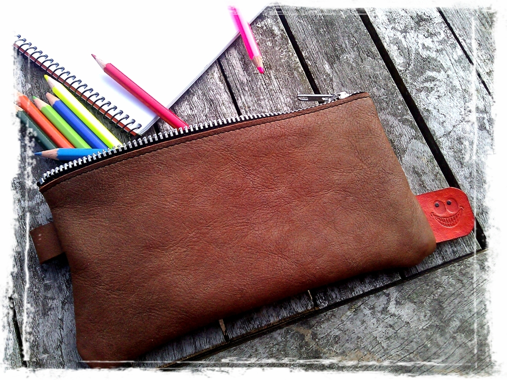Handmade leather Etui - Pouch - Pocket with pencils