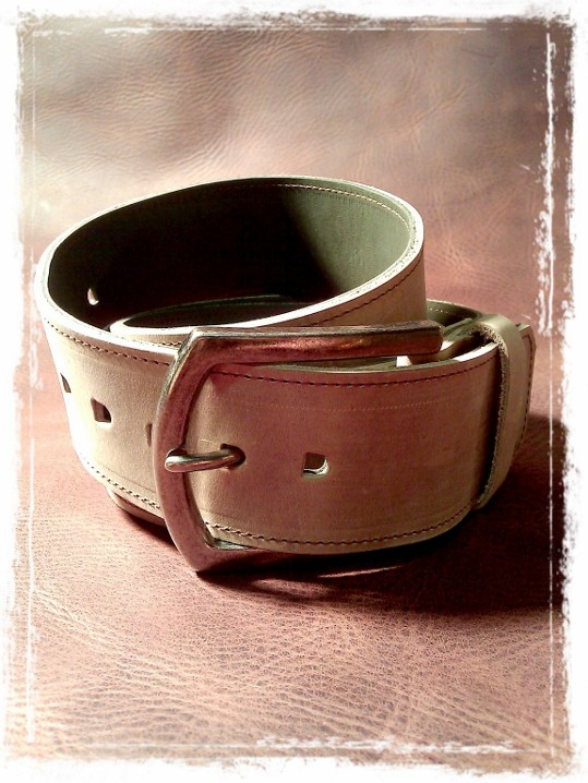 TheCrazyBelt - Reversible Leather Belt sand and green