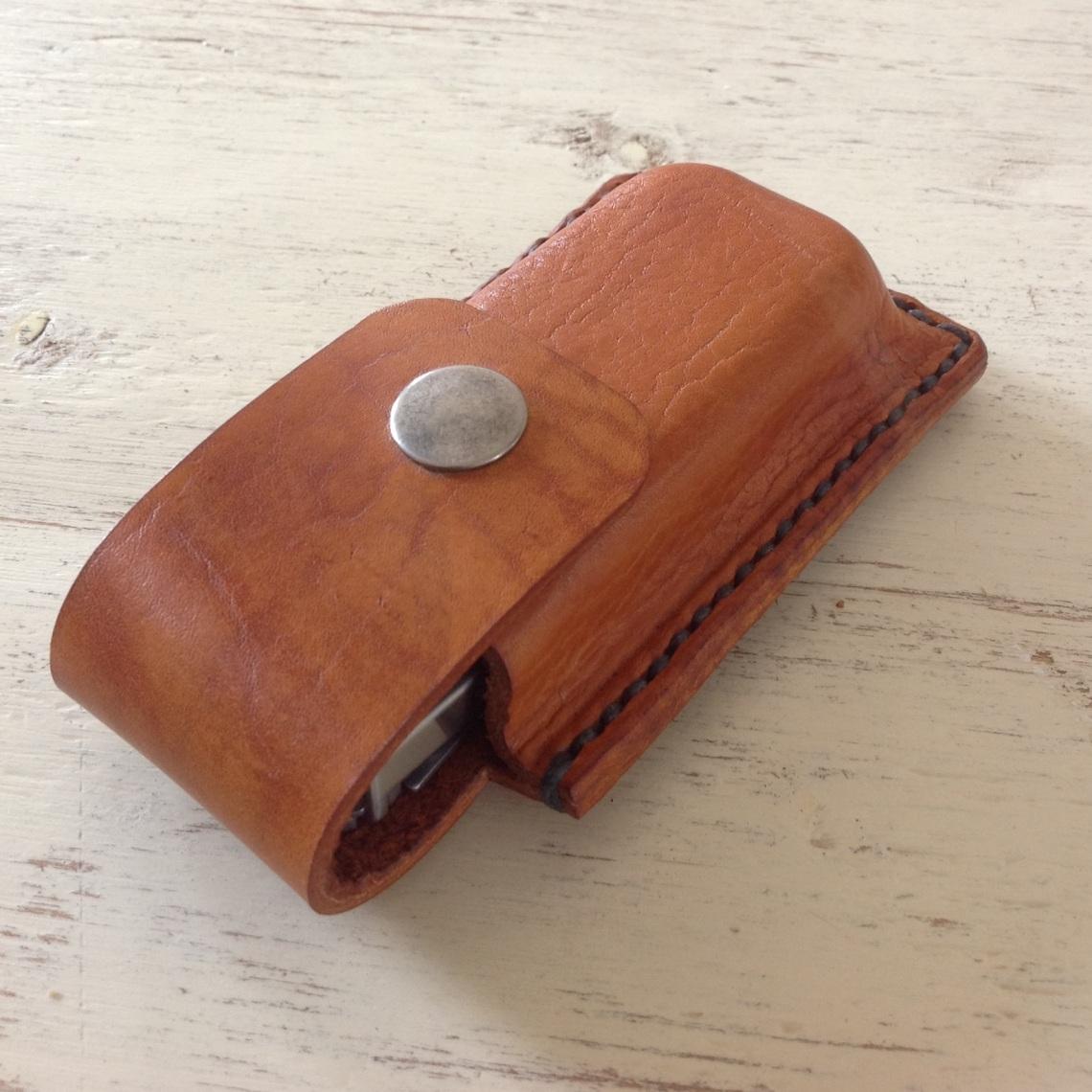 Leather Leatherman case side