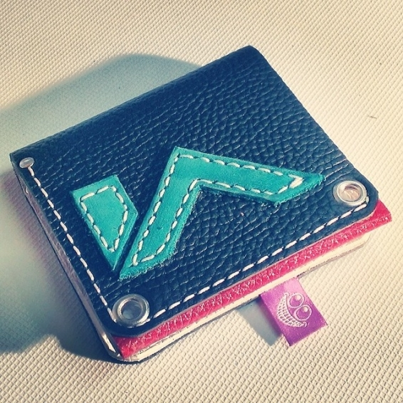 Leather wallet wih Incline Apparrel logo