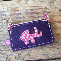 Little wallet with elephant back