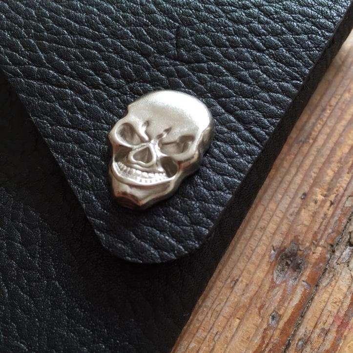 Scissor holster black with skull detail