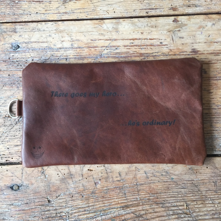 Leather etui FooFighters logo and textt