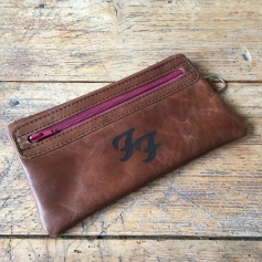 Leather etui FooFighters logo