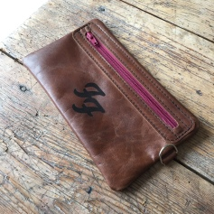 Leather etui with foofighters logo