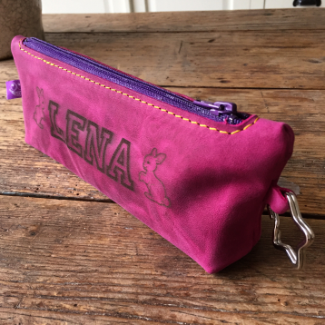 Leather etui with laser engraving