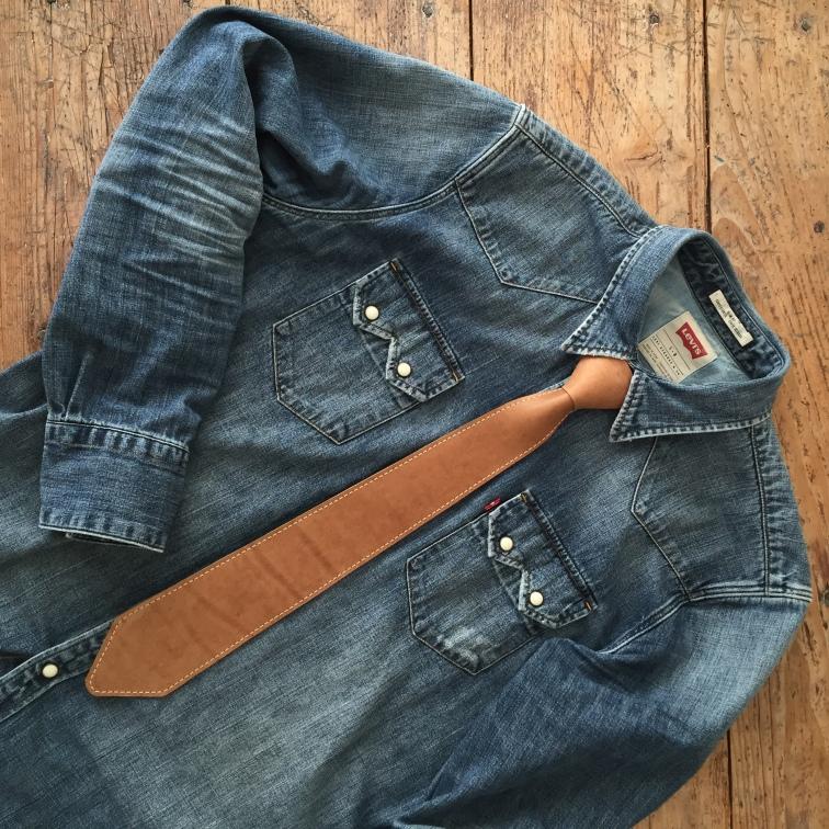 Handmade leather tie