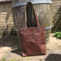 Leather brown shoulder bag