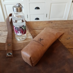 leather-bag-for-water-bottle