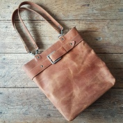 Leather bag brown with belt