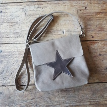 Leather bag sand with star